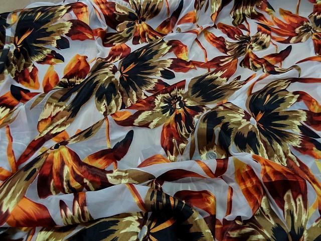 Mousseline viscose soie fleurs ocre et safran 1