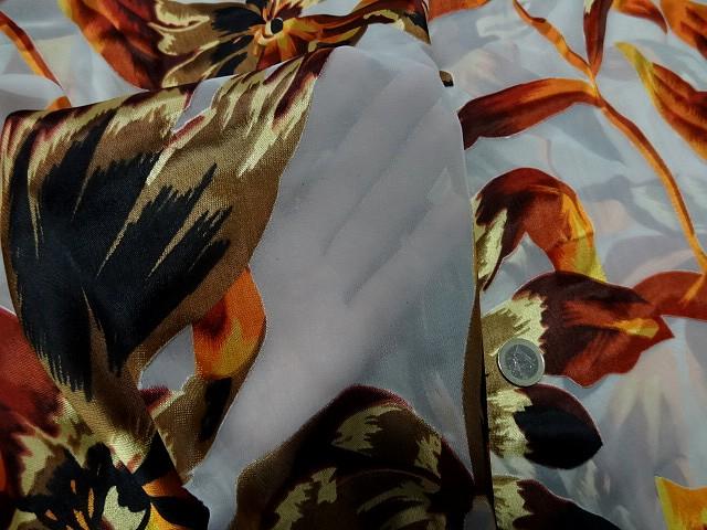 Mousseline viscose soie fleurs ocre et safran 3