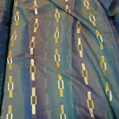 Organza degrade de bleus et chainette doree 1