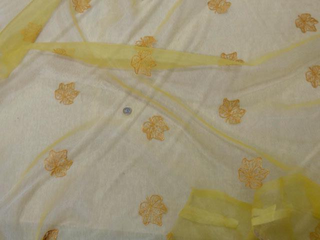 Organza jaune safran surbrode feuille