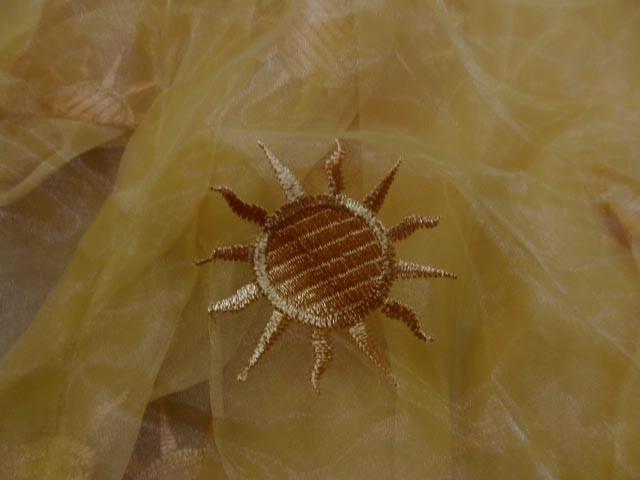 Organza jaune safran surbrode soleil 1