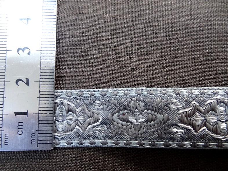 Passementerie ruban gris et taupe 2