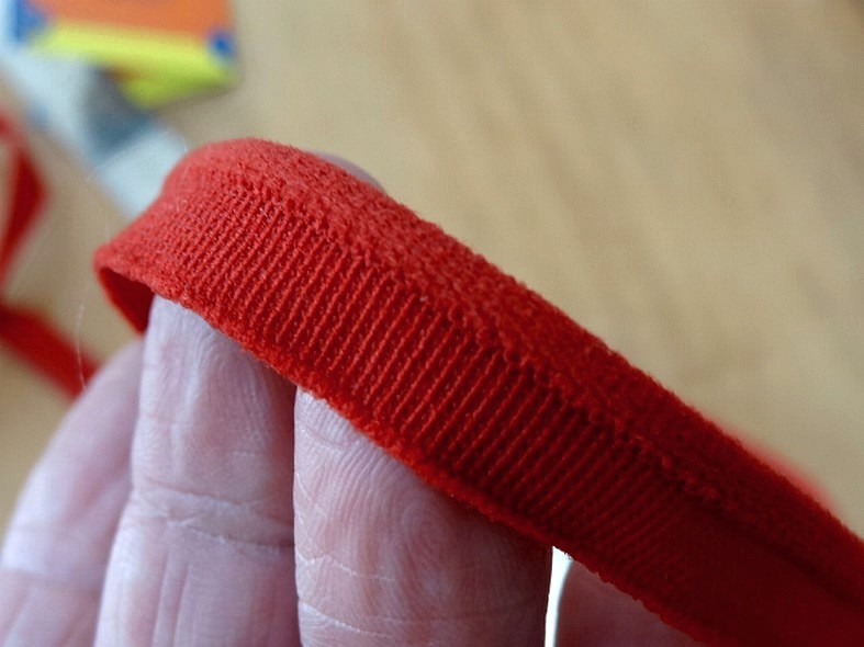 Passepoil elastique rouge cinabre petit bourrelet 3