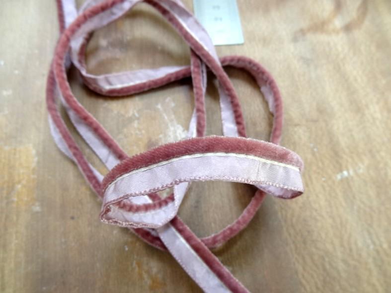 Passepoil velours rose indien 1