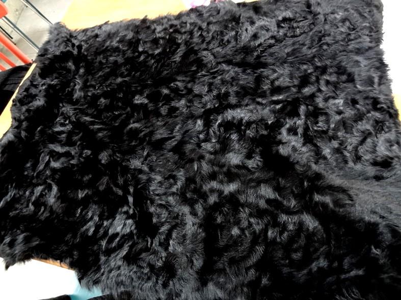 Peau de chevreau noir reconstituee 6
