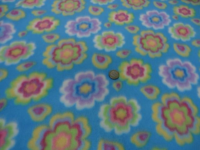 Polaire doudou bleu celeste enfant motifs fleurs 2
