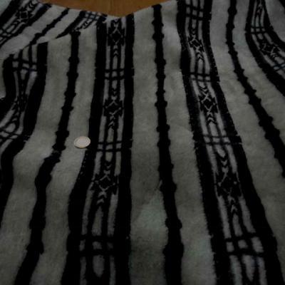 Polaire epaisse imprime gris noir2
