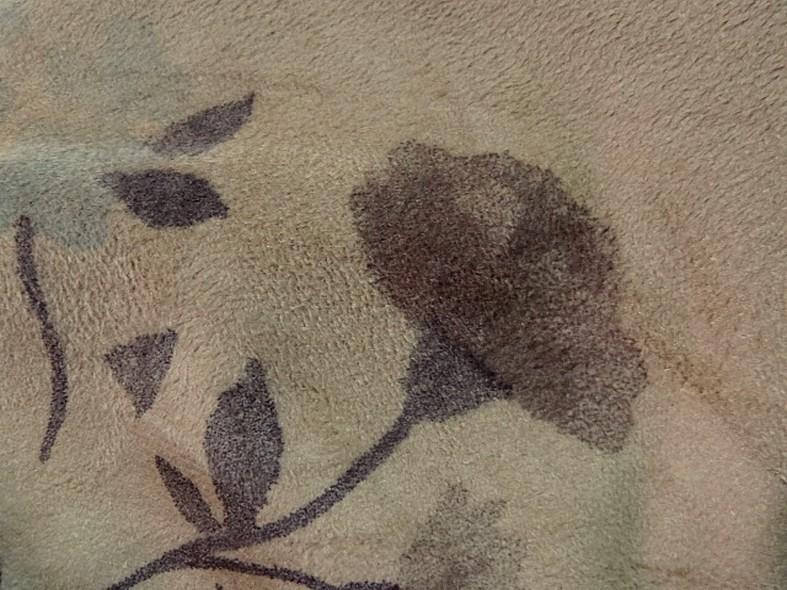 Poly suedine beige poudre motif fleuri bleu tendre et marron taupe 2