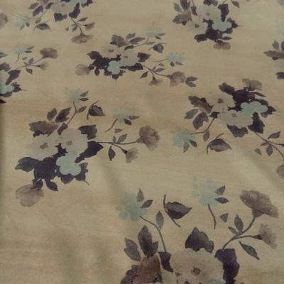 Poly suedine beige poudre motif fleuri bleu tendre et marron taupe 3