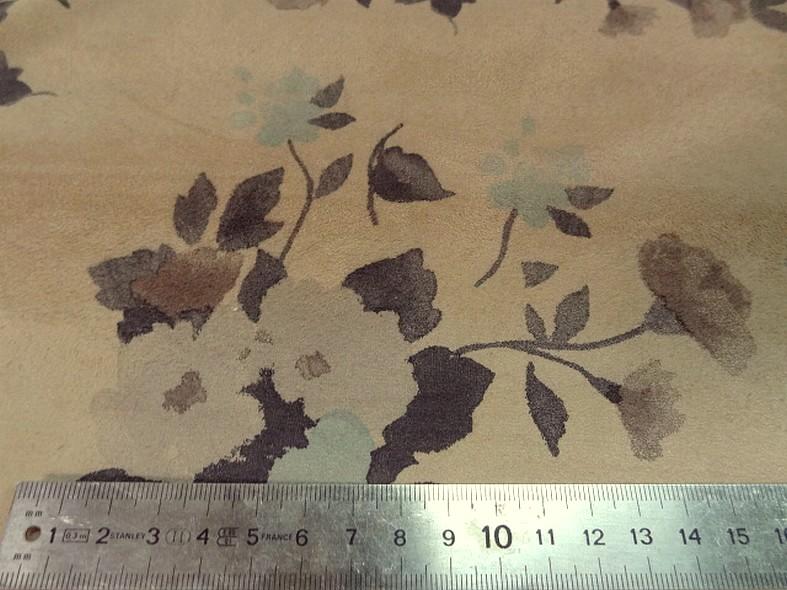 Poly suedine beige poudre motif fleuri bleu tendre et marron taupe 4