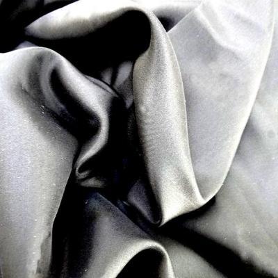 Ponge de soie noir uni 2