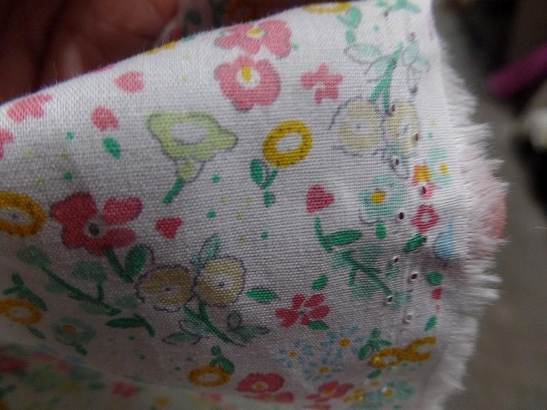 Popeline coton blanc fleurs acidulees 1