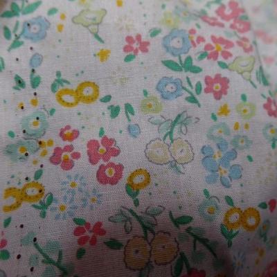 Popeline coton blanc fleurs acidulees 3