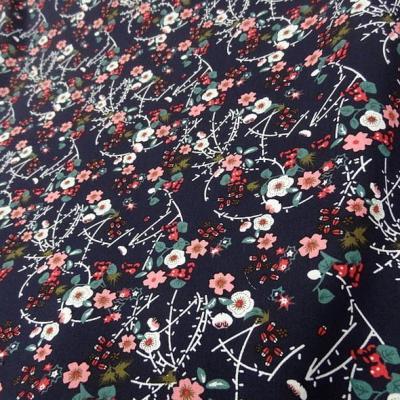 Popeline coton bleu nuit fleurs et tiges rose 2