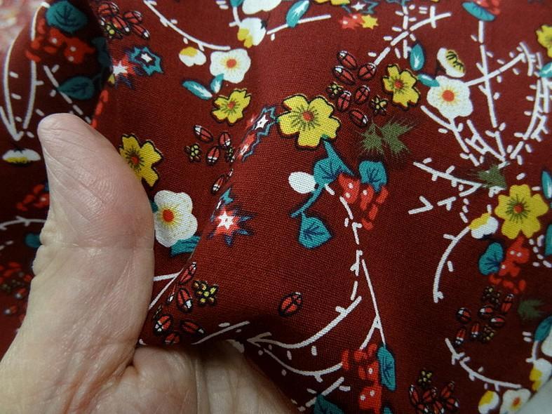 Popeline coton bordeaux fleurs et tiges rouge et jaune 3