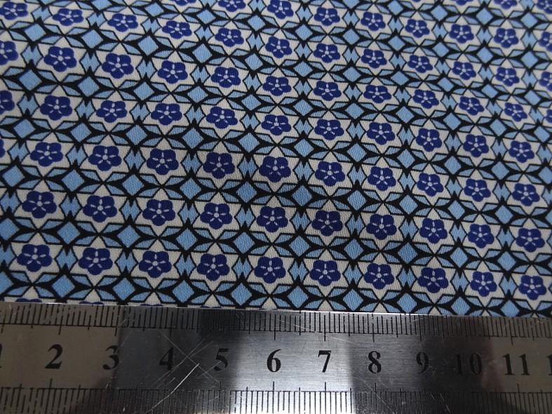 Popeline coton extensible petit motif rosace annee 50 2