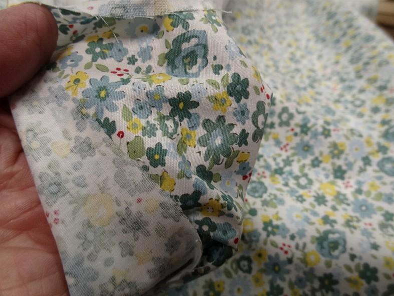 Popeline coton fleuri vert de gris et jaune 4