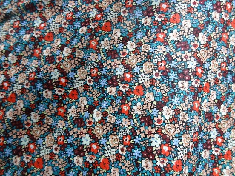 Popeline coton fleurie fond noir 2