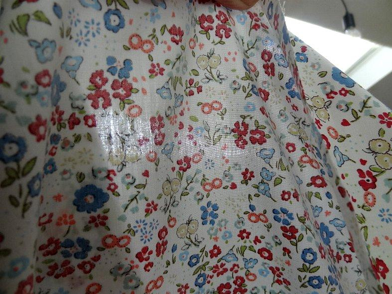 Popeline coton fond blanc fleurettes ninon 1