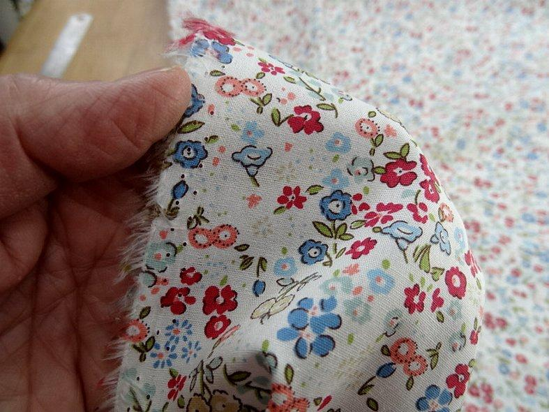 Popeline coton fond blanc fleurettes ninon 5