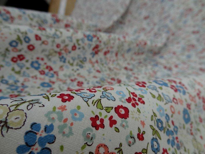 Popeline coton fond blanc fleurettes ninon 7