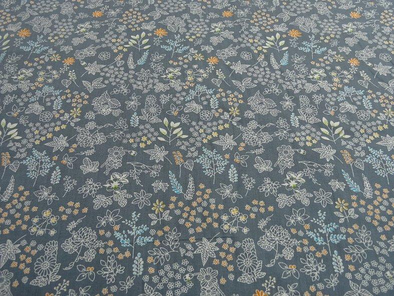 Popeline coton fond gris fleurs squelettes 1
