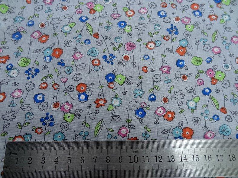 Popeline coton fond gris perle fleurs pretty 1