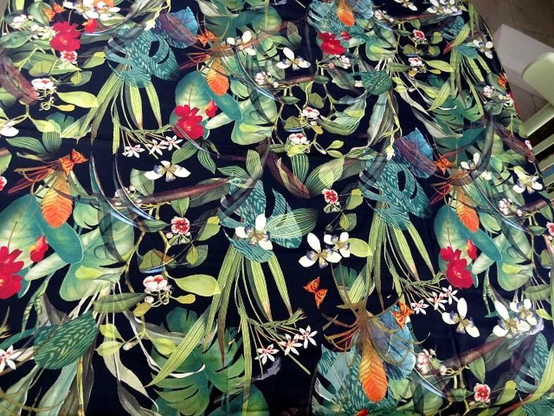 Popeline coton lycra fond noir jungle 1