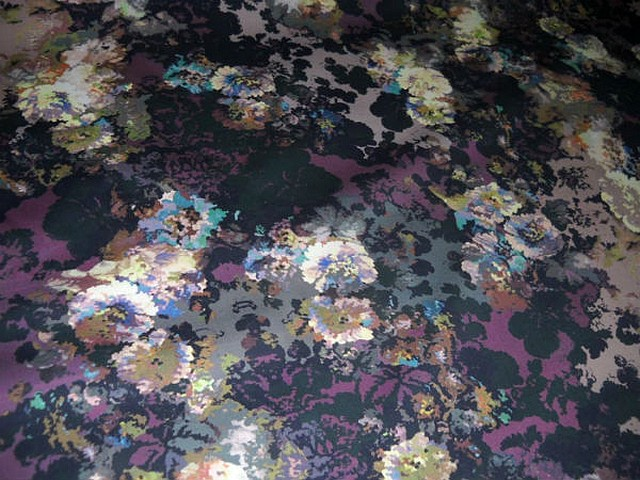 bengaline coton lycra noir prune motif oeillets 1