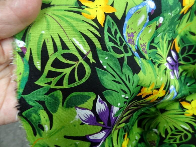 Popeline coton motifs feuilles et oiseaux exotiques vert violet 1