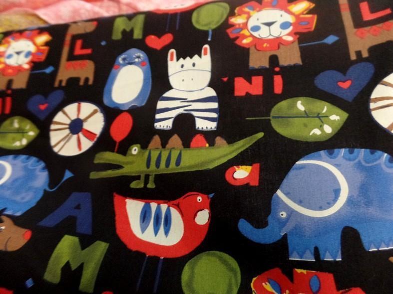 Popeline coton noir motifs animaux 4