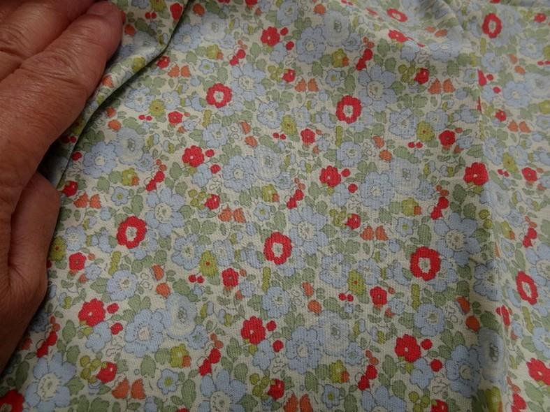 Popeline coton petites fleurs bleu tilleul rouge geranium 3