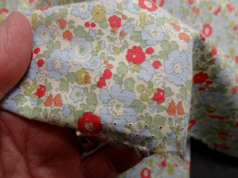 Popeline coton petites fleurs bleu tilleul rouge geranium 4