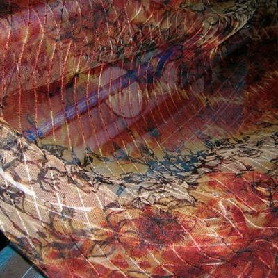 Resille beige feu motif fleuri raye de sequins 2