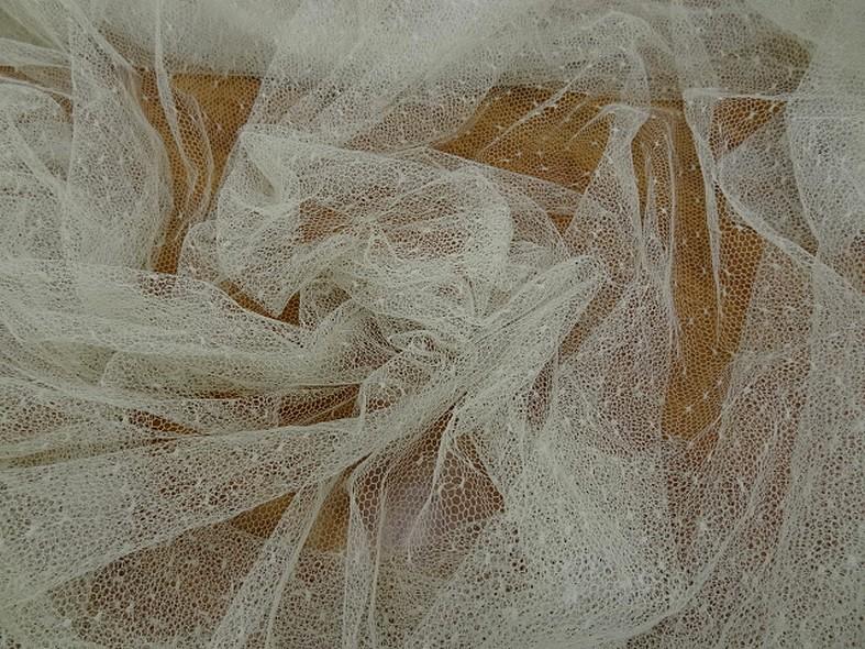 Resille blanc casse a plumetis 1