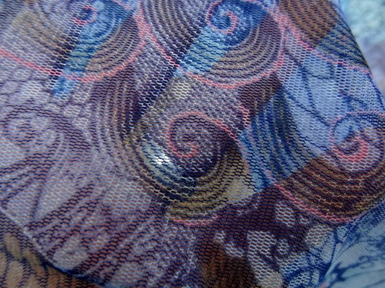 Resille en camaieu de bleus fleurs et volutes 4
