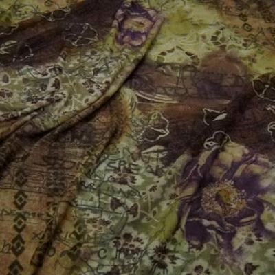 Resille lycra frises ecritures et fleurs kaki et terre 1