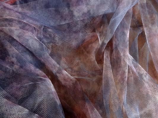 Résille lycra parme motifs roses de jardin 02