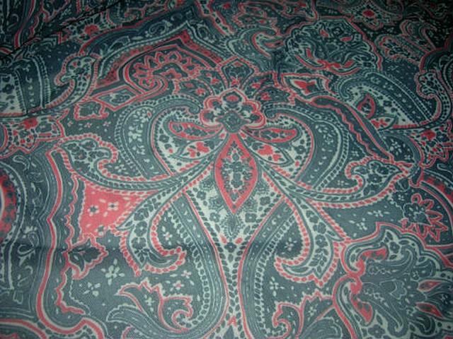 Resille lycra vert chrome rouge motif cachemire 3
