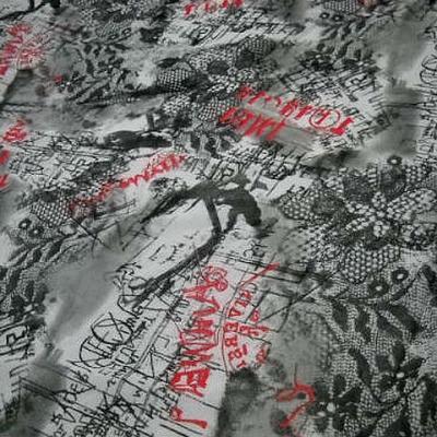Resille motif dentelle et graffitis blanc noir rouge 1