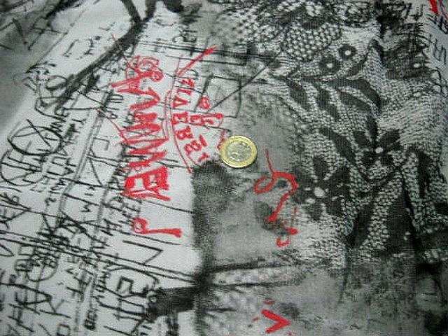 Resille motif dentelle et graffitis blanc noir rouge 3