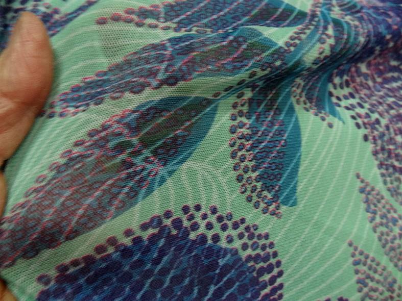 Resille motif fleurs tropicales teinte opale violet bleu canard 2