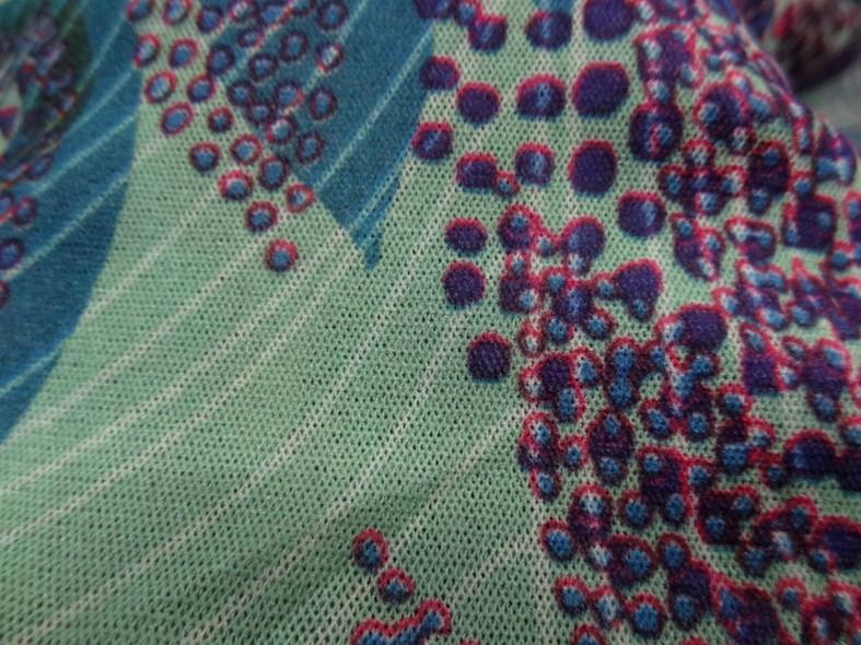 Resille motif fleurs tropicales teinte opale violet bleu canard 4