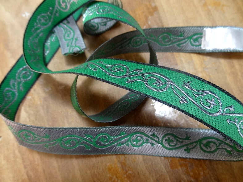 Ruban alienor argent et vert malachite 1