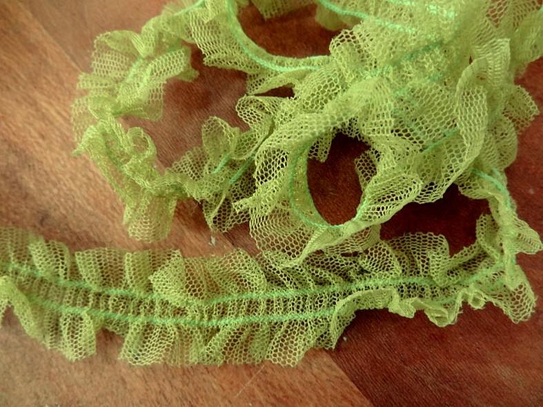 Ruban elastique resille froncee vert anis 1