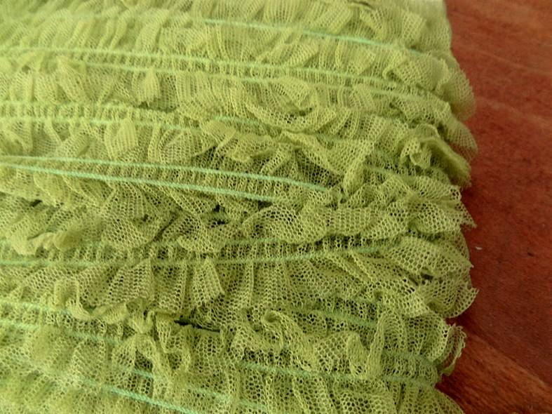 Ruban elastique resille froncee vert anis 4