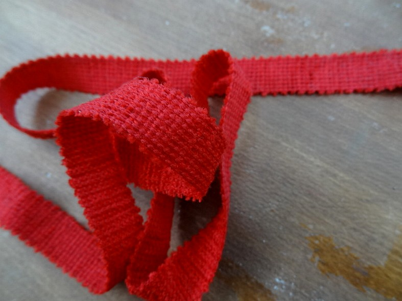 Ruban tresse plate rouge 13 mm