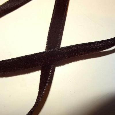 Ruban velours chocolat 9 mm 2