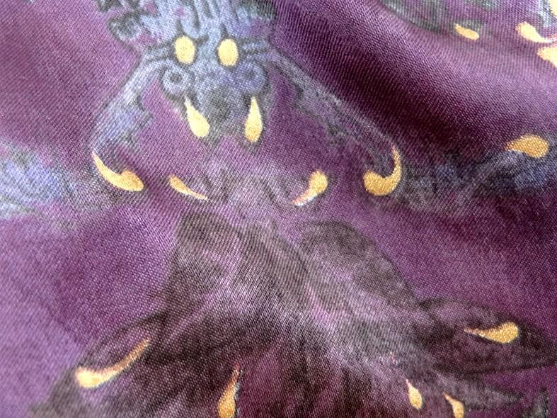 Satin coton viscose prune et violet fleuri 1