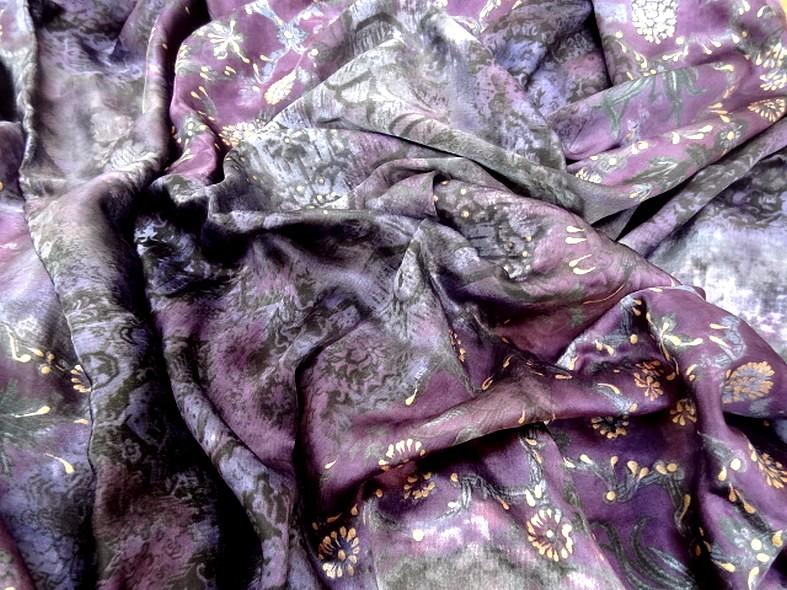 Satin coton viscose prune et violet fleuri 4